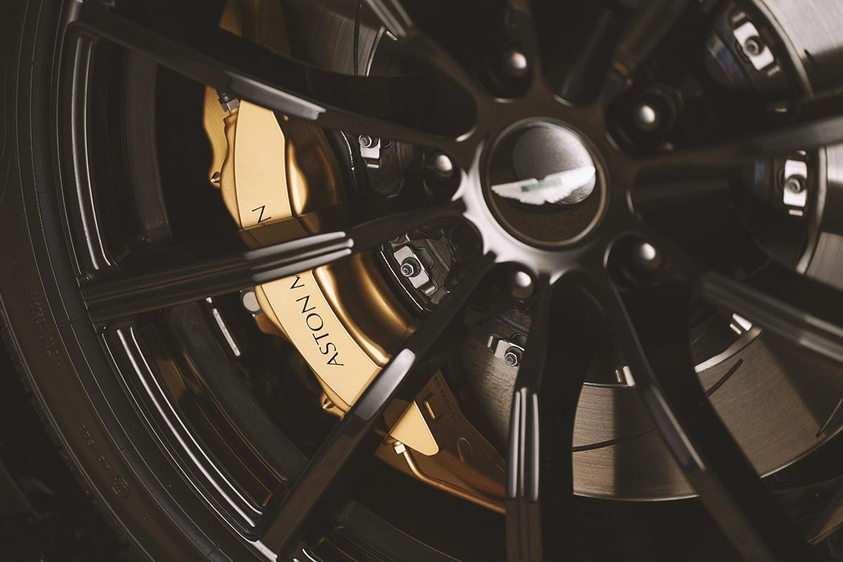 Aston martin vantage roadster a3 10