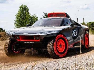 Audi Unveils Dakar-Destroying RS Q e-tron Electric Rally Car