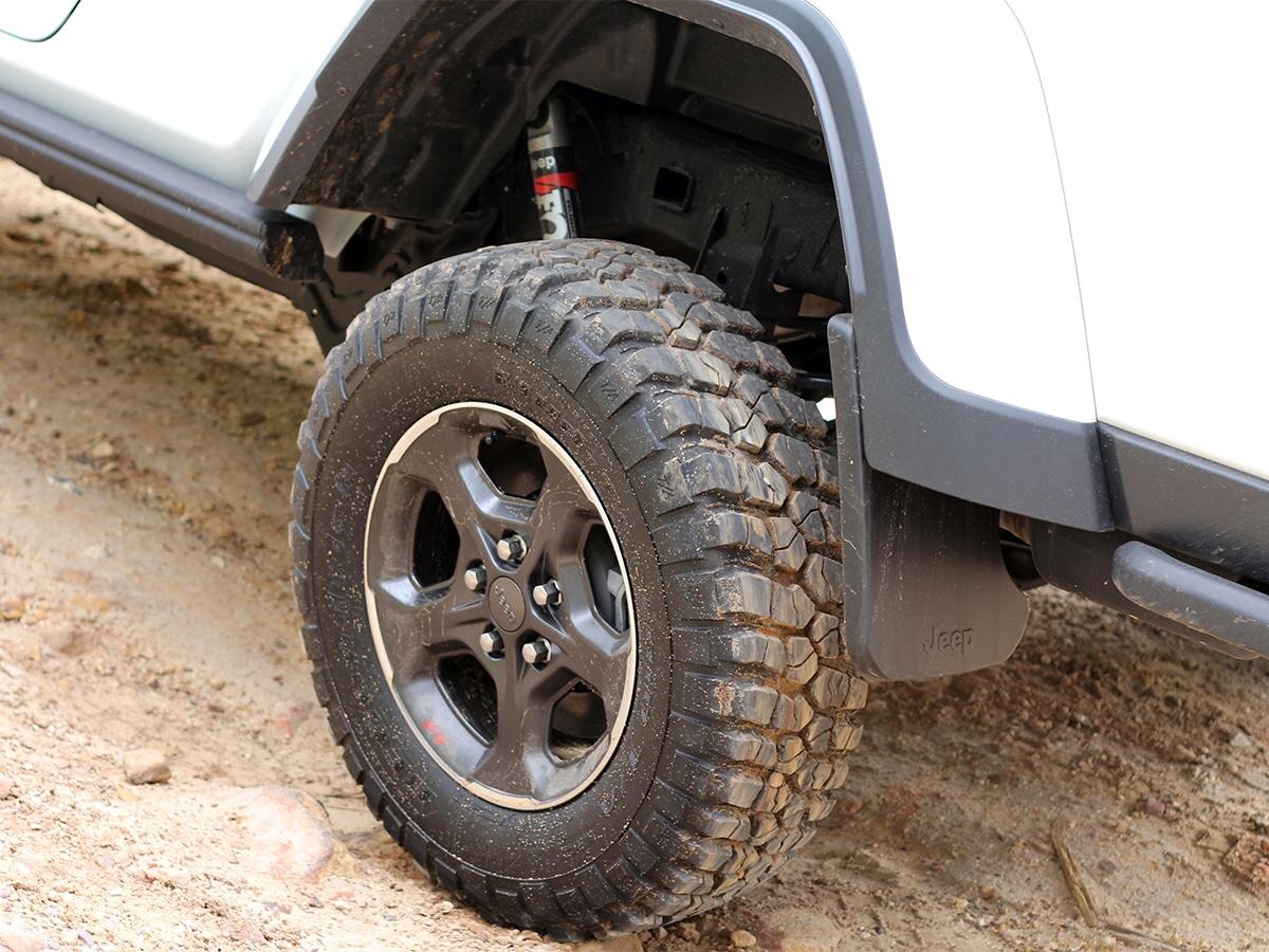 Gladiator rubicon suspension travel