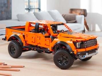 LEGO Technic Goes Big with a the Iconic Ford F-150 Raptor