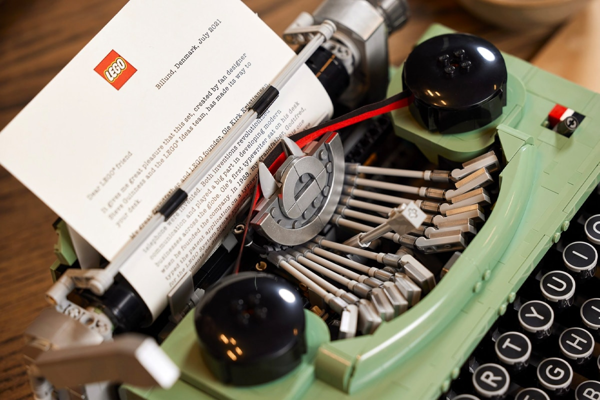 Lego typewriter 1 1