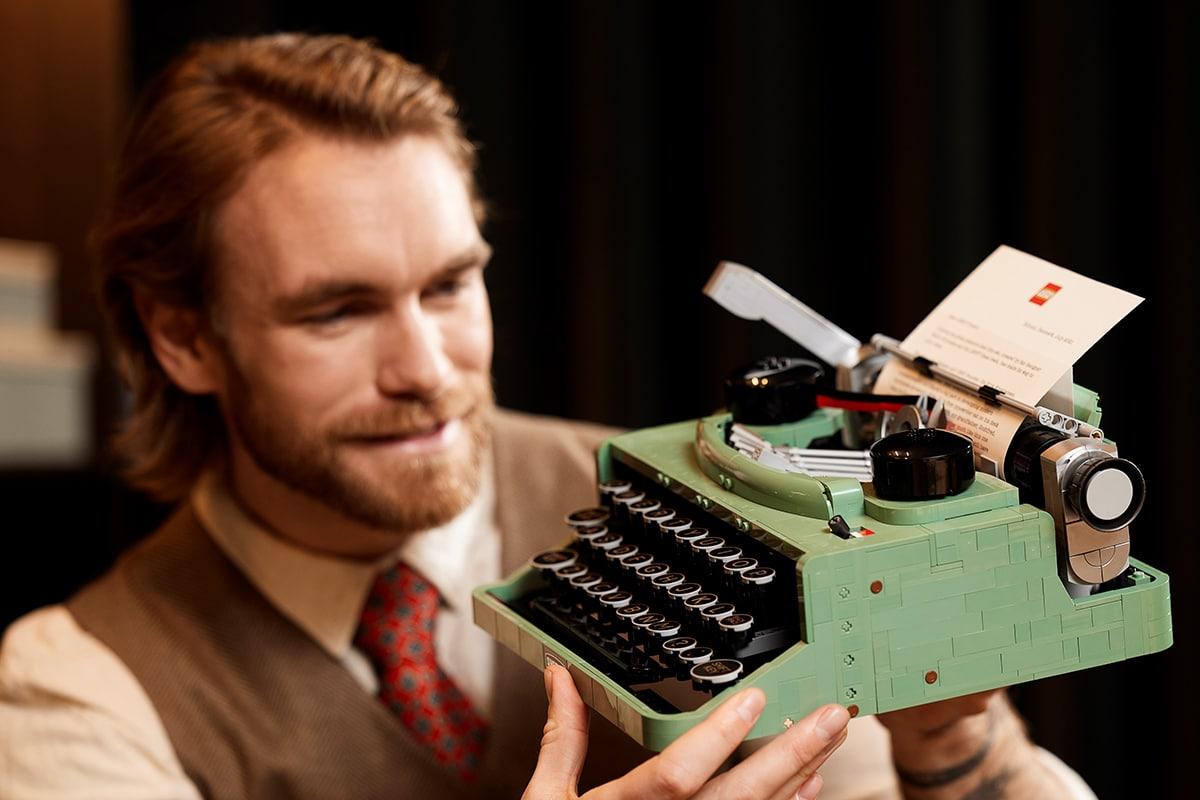 Lego typewriter 6