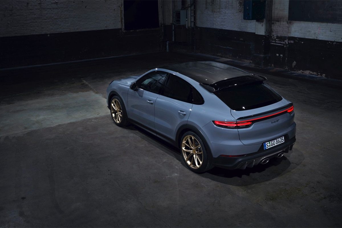Porsche cayenne turbo gt back