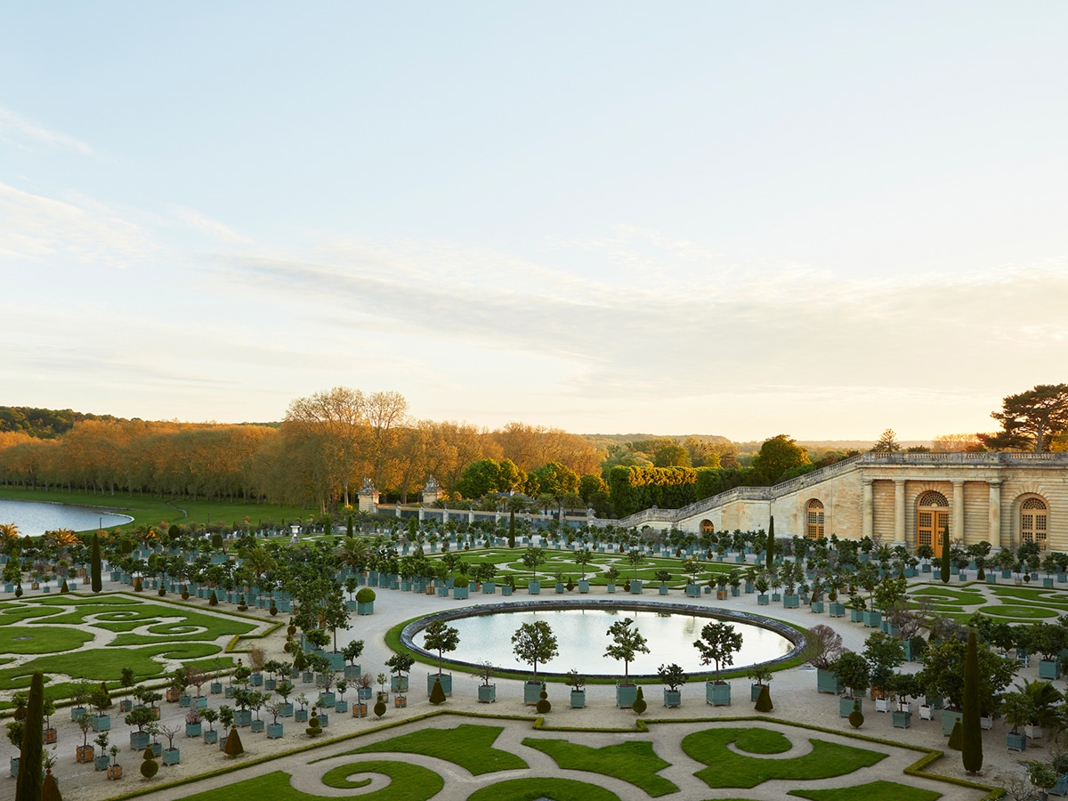 Stay at the palace of versailles 10