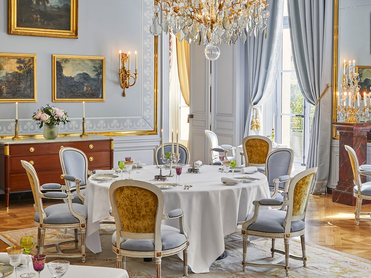 Stay at the palace of versailles 3