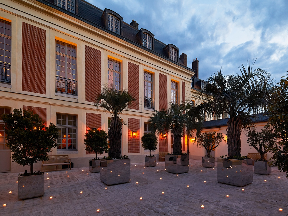 Stay at the palace of versailles 6