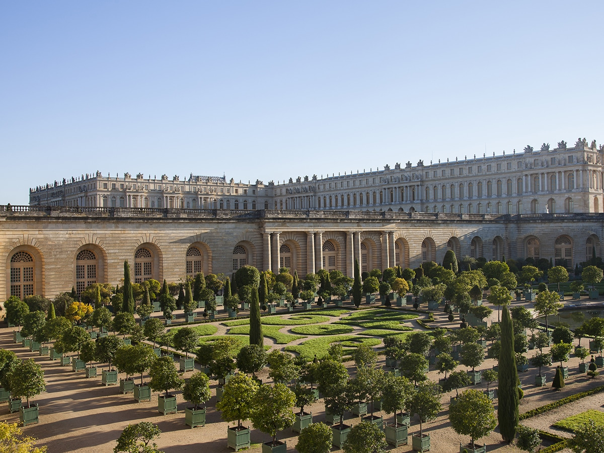Stay at the palace of versailles