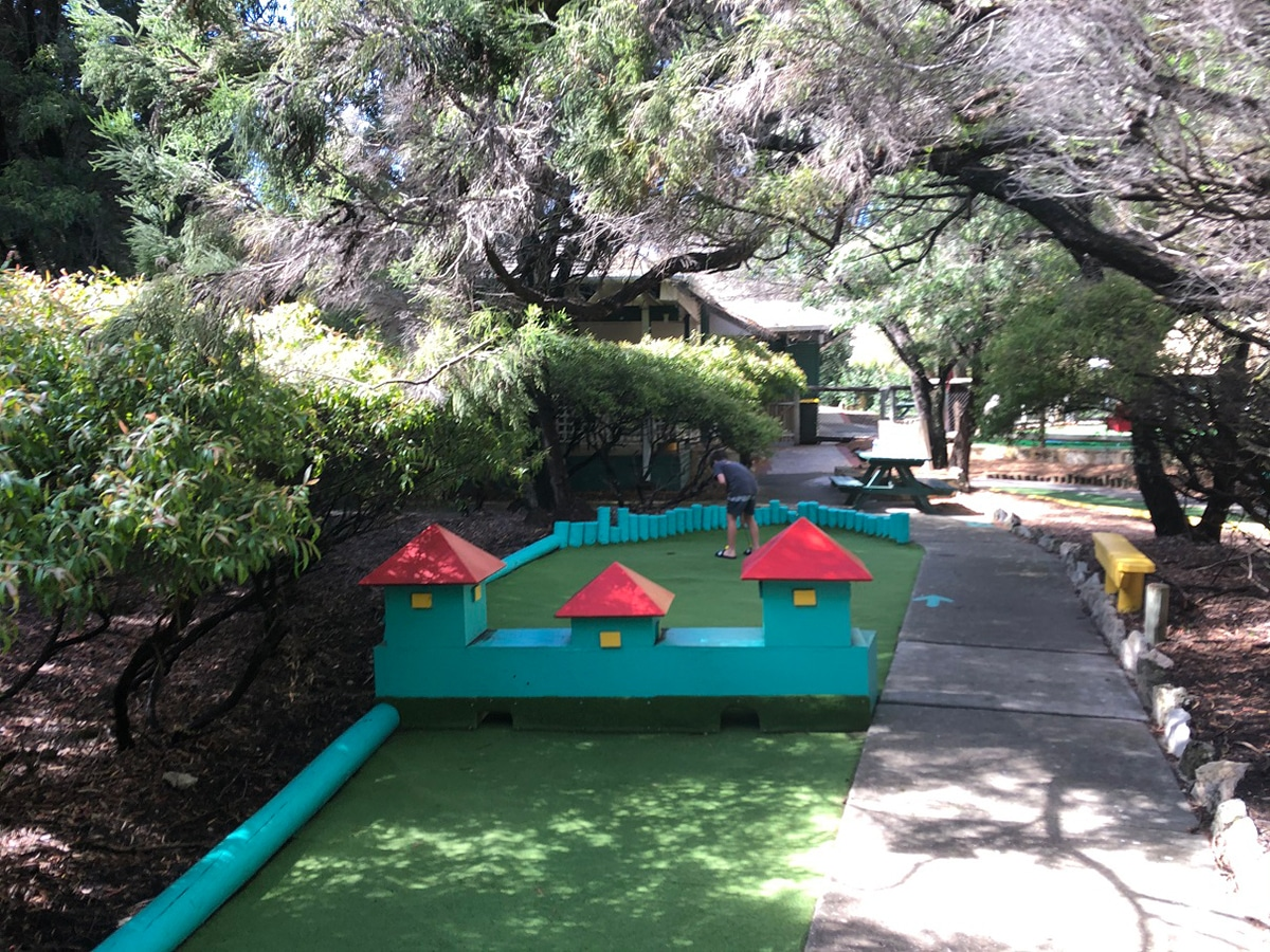 family fun park rottnest island mini golf course