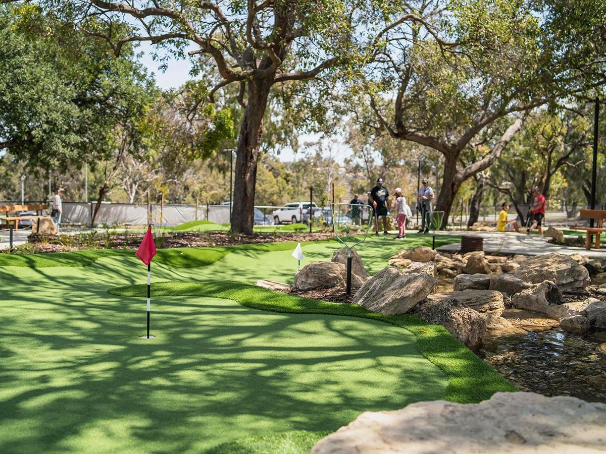 goanna mini golf course