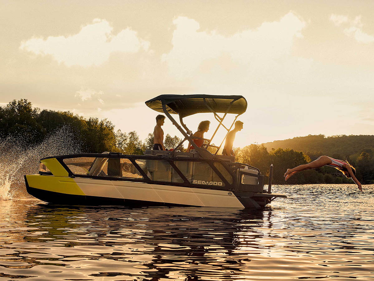 2022 sea doo pontoon diving