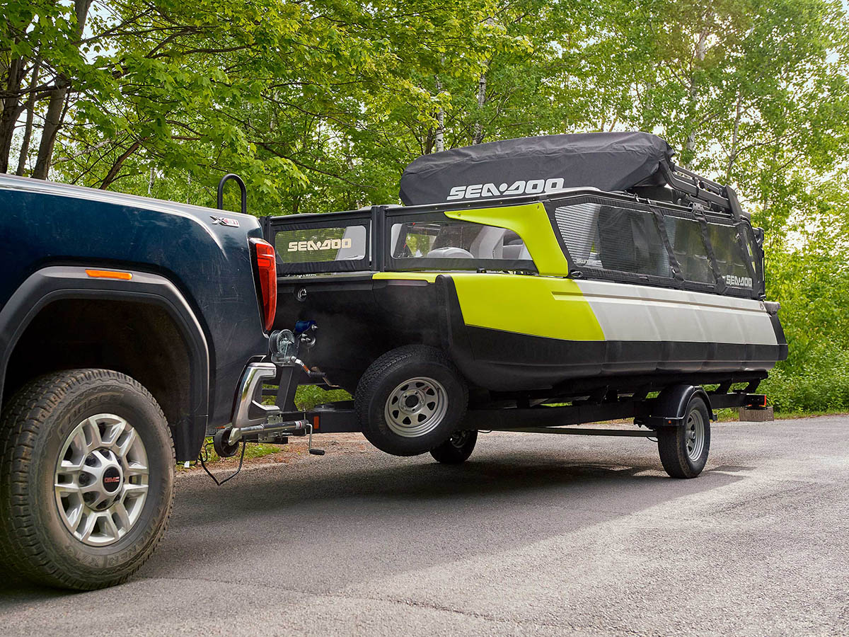2022 sea doo pontoon easy to carry