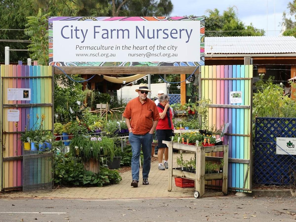 northey street city farm organic market entrance
