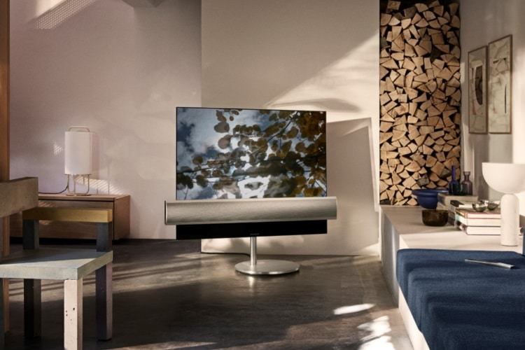 bang and olufsen loudspeakers front
