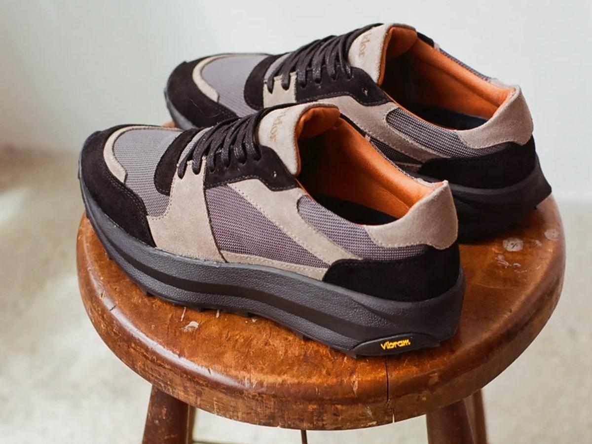 Corridor hiking shoes