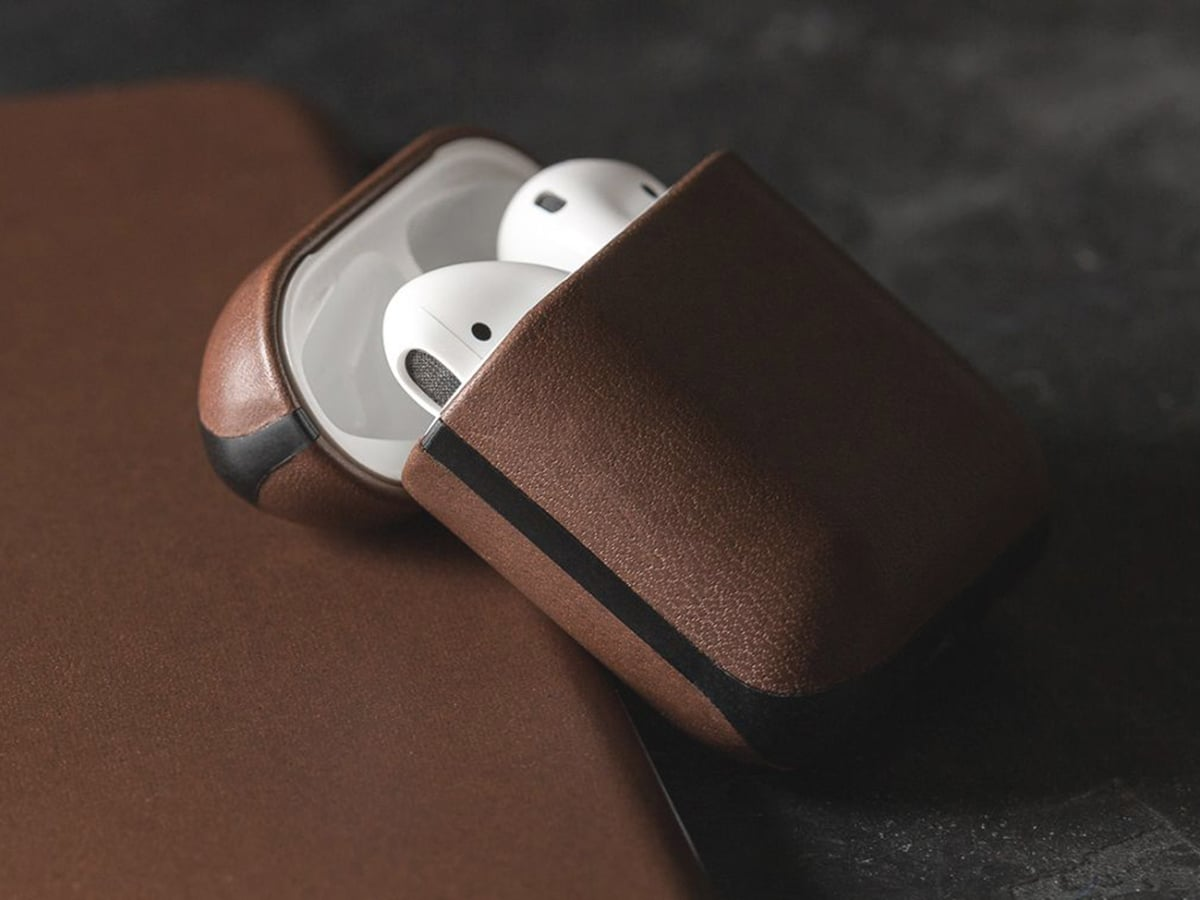 nomad leather airpods case
