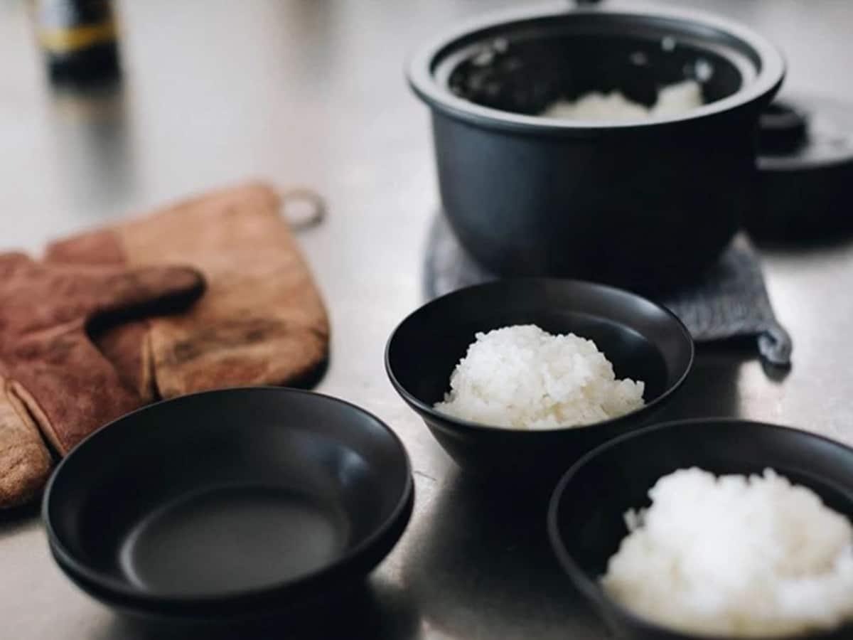 snow peak black earthenware zen pot set with white rice