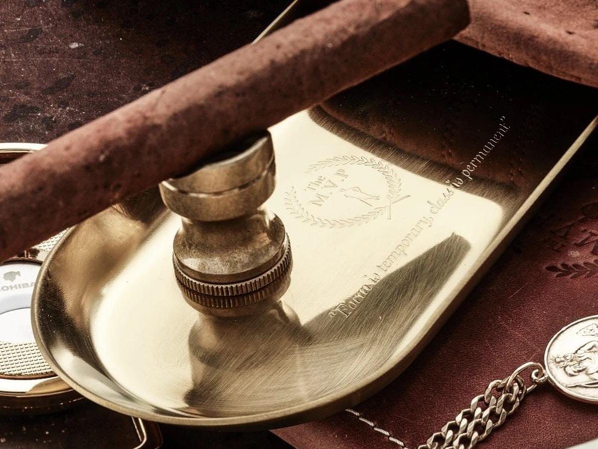 modest vintage player gold steel tray cigar holder