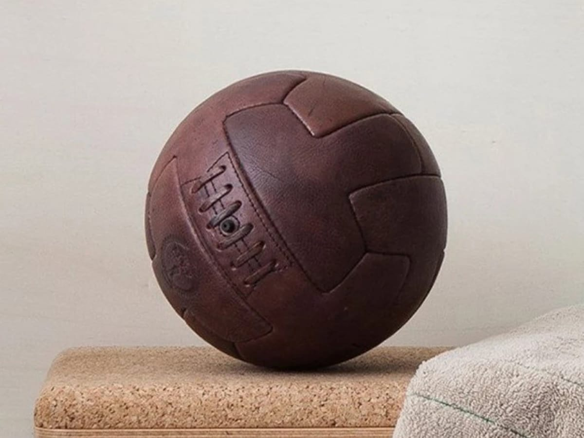 Fathers day gift guide man of many selects modest vintage player heritage leather soccer ball