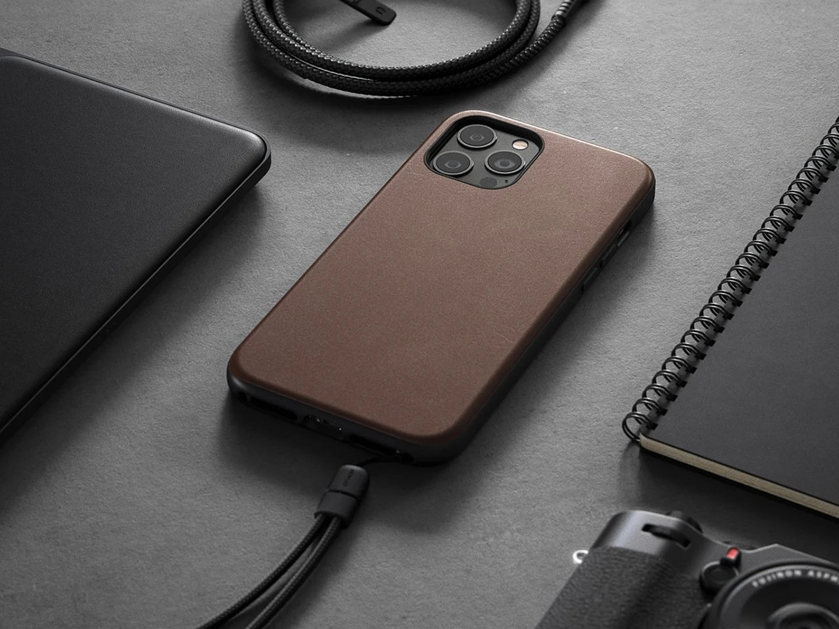 brown nomad leather iphone case