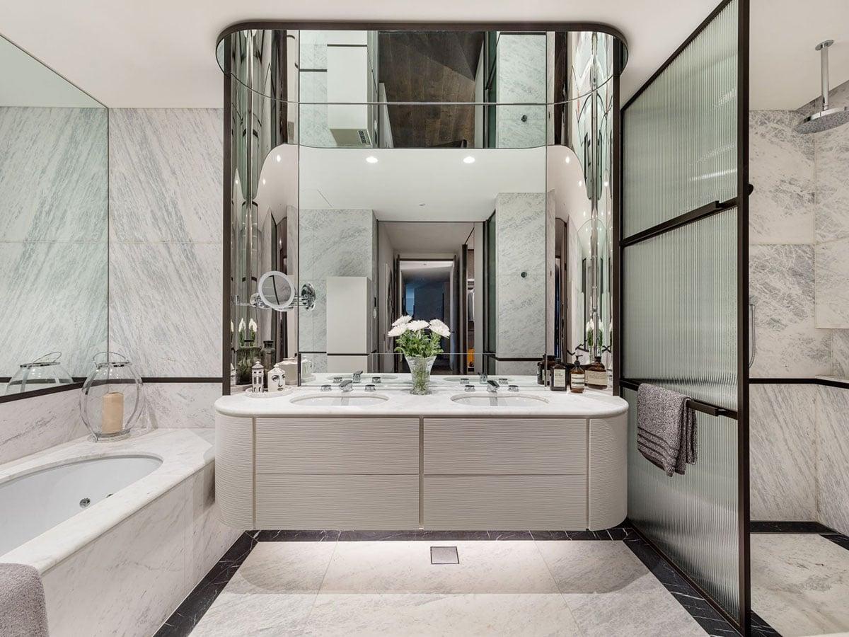 Toorak house bathroom
