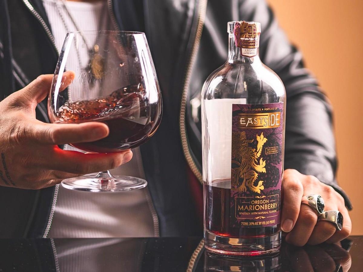 2 eastside distilling oregon marionberry whiskey