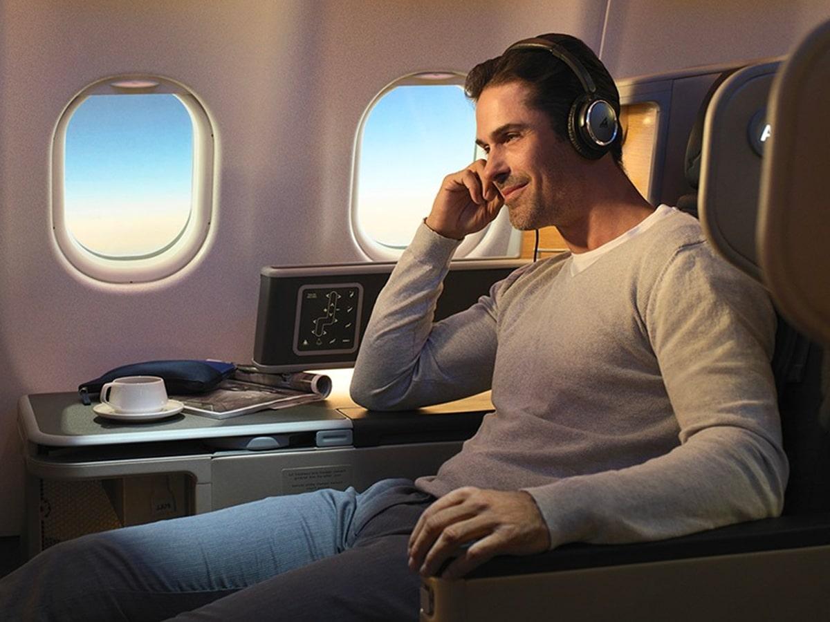 2 qantas resuming international flights