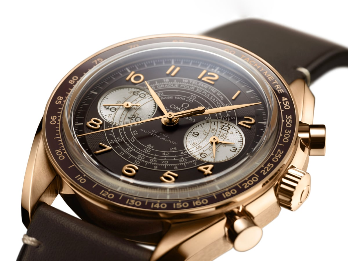 2 omega speedmaster chronoscope