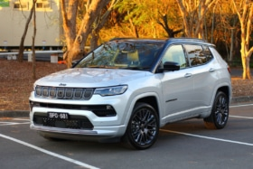 2022 jeep compass feature