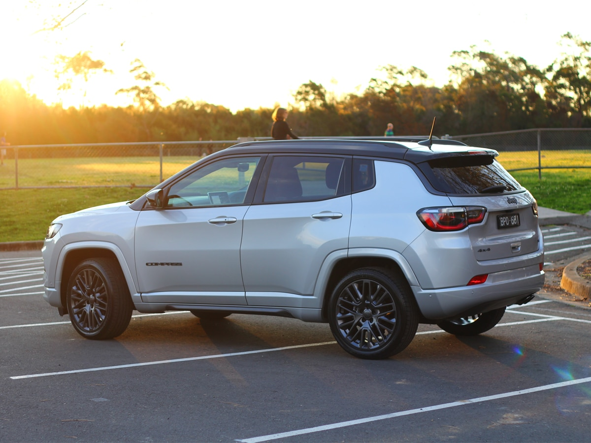 2022 jeep compass rear end