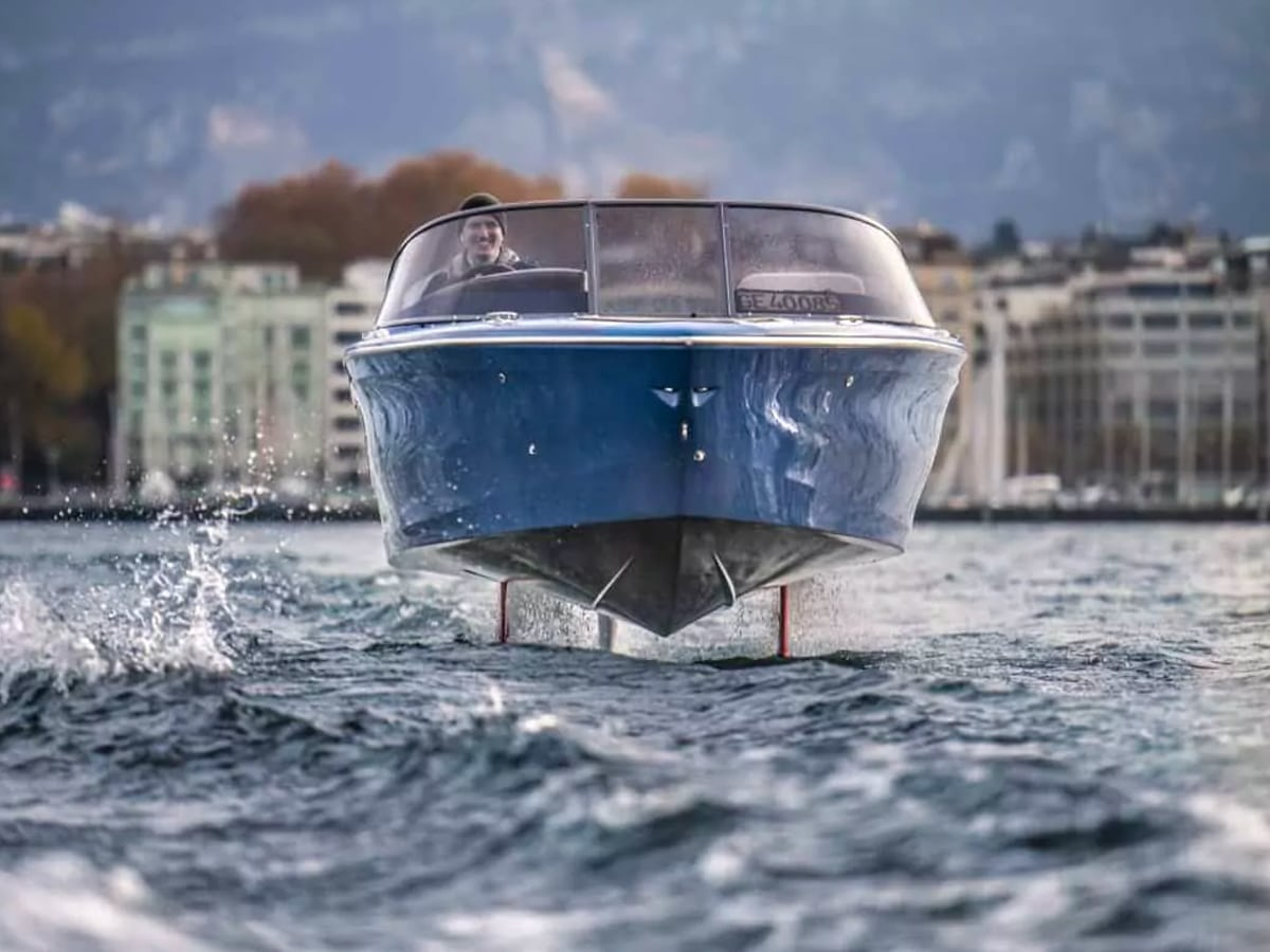 3 candela c 8 hydrofoil speedboat