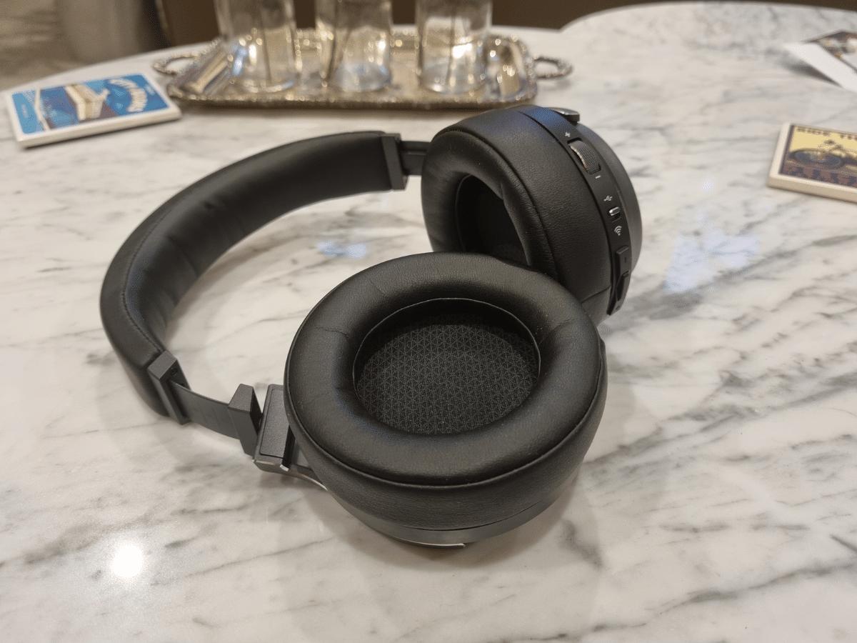 Corsair virtuoso rgb wireless xt earcup