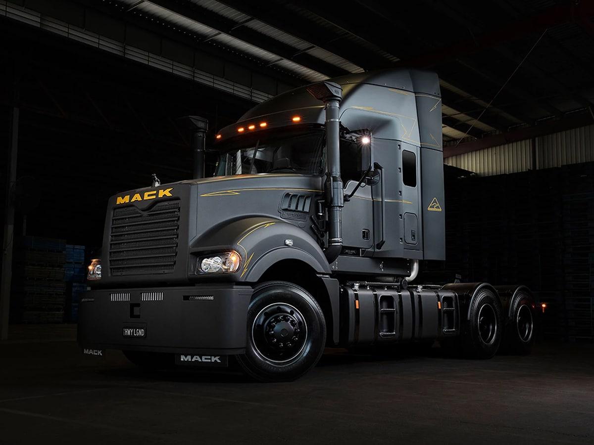 Mack trucks x drizabone super liner semi