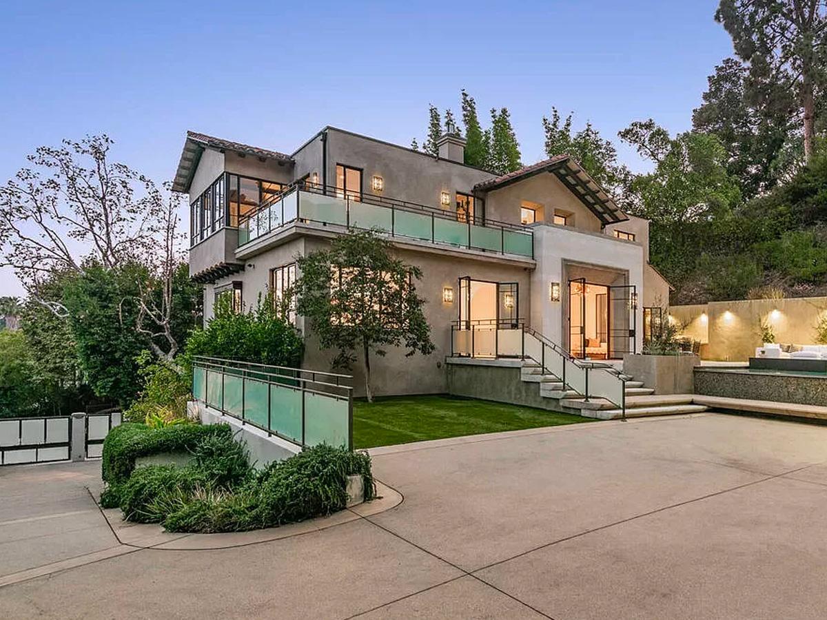 Rihanna house hollywood hills 1