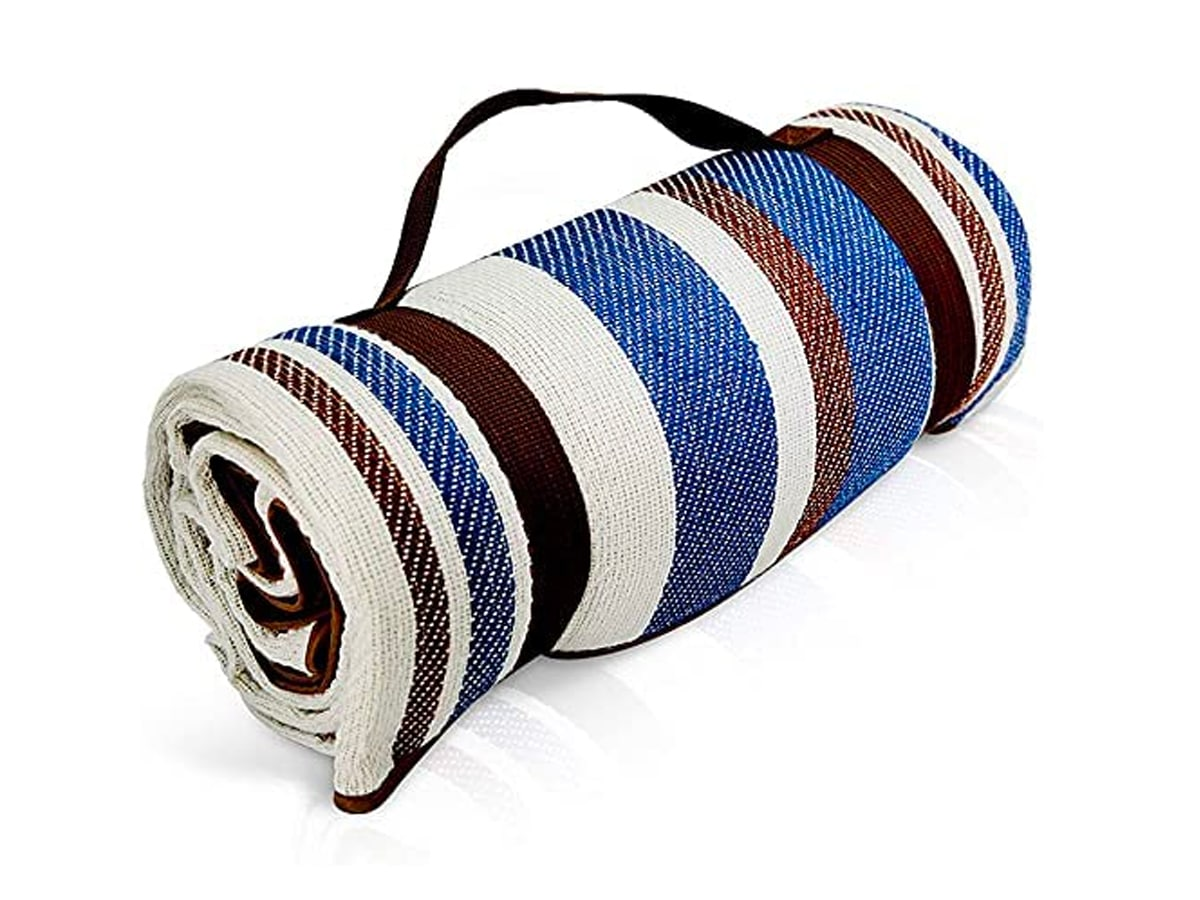 Scuddles extra large picnic outdoor blanket