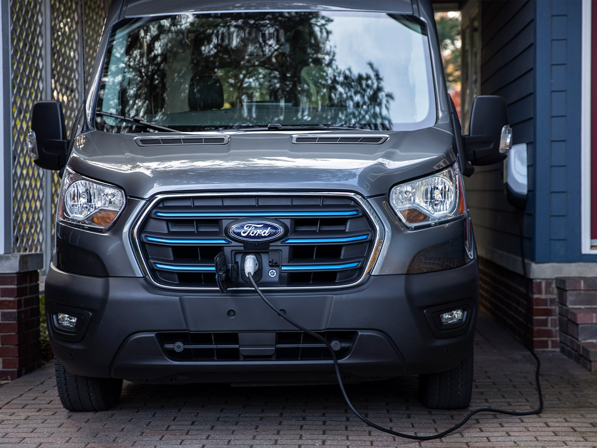 2022 ford e transit plugged in