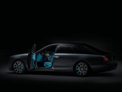 Rolls-Royce Black Badge Ghost Swaps Suit for Streetwear