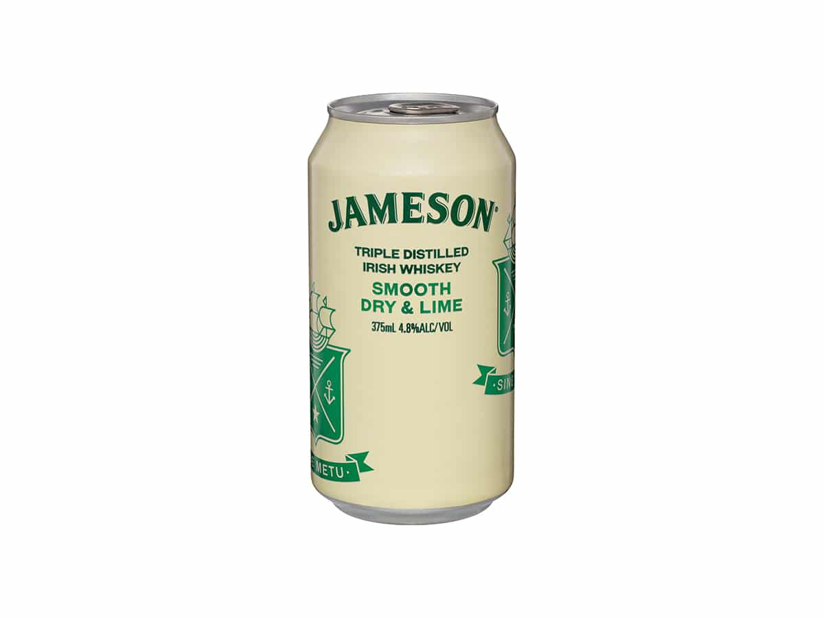 Jameson irish whiskey smooth dry and lime
